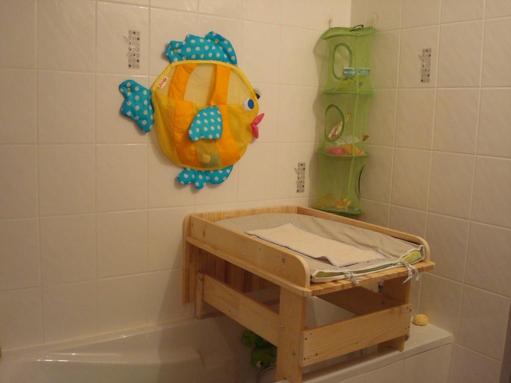table à langer salle de bain tout pour le bébé