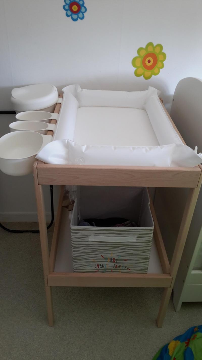 ikea table langer tout pour le b b. Black Bedroom Furniture Sets. Home Design Ideas