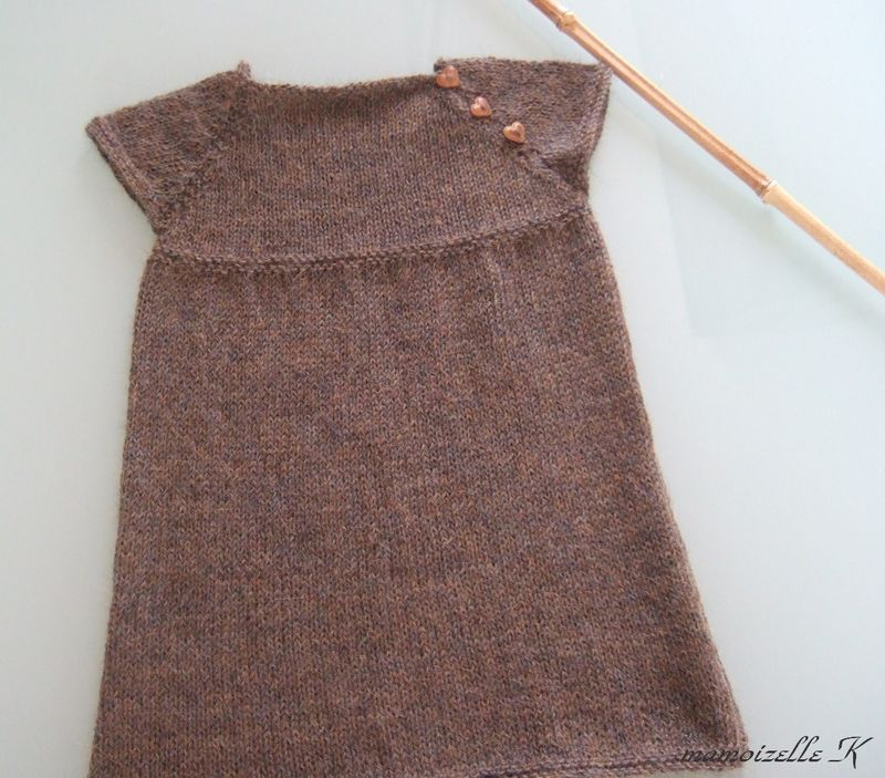 tricot robe fille modele gratuit