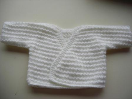 brassiere bebe en laine a tricoter