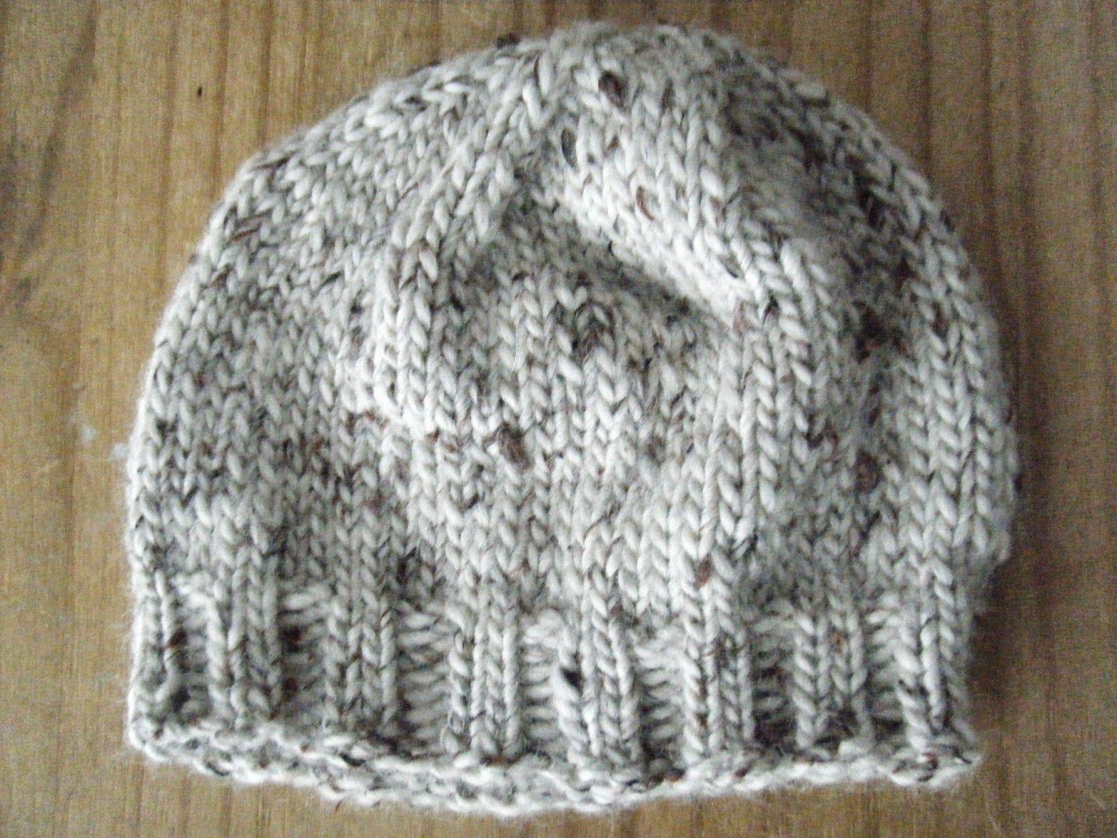 Tricoter un bonnet rond pour femme