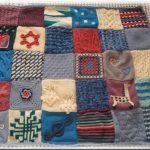 Tricoter un plaid avec des carres