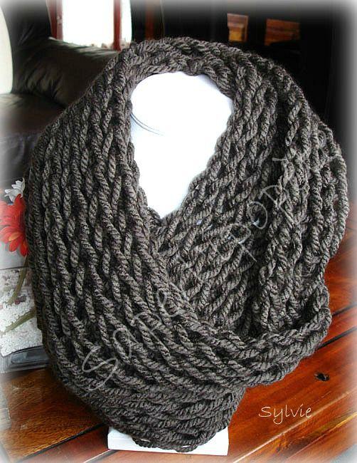 Tricoter une écharpe grosse maille