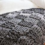 Tricoter un plaid pour mon canapé