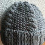 Tricot point de riz bonnet