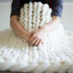 Comment tricoter un plaid en grosse laine
