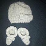 Tricoter un bonnet naissance point mousse