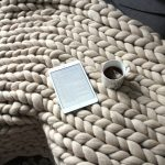 Tricoter un plaid avec les mains