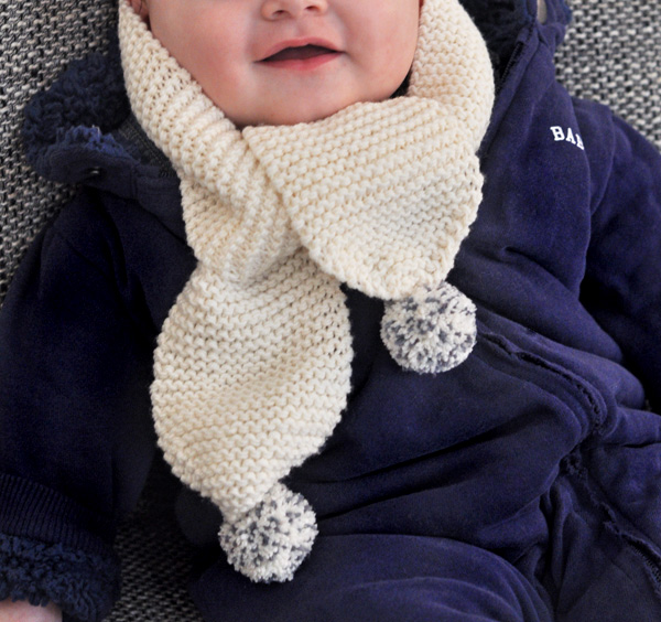 Tricot echarpe bebe modele