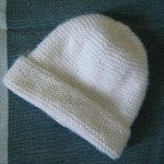 Tricoter un bonnet de naissance gratuit