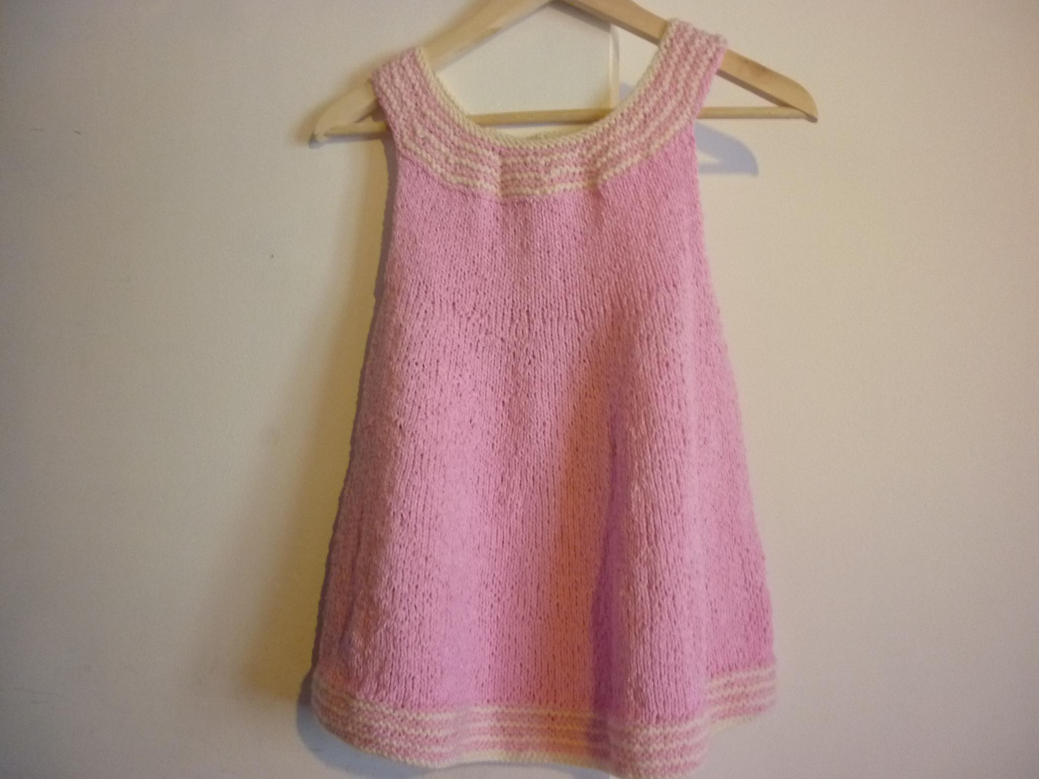 Tricoter robe fillette