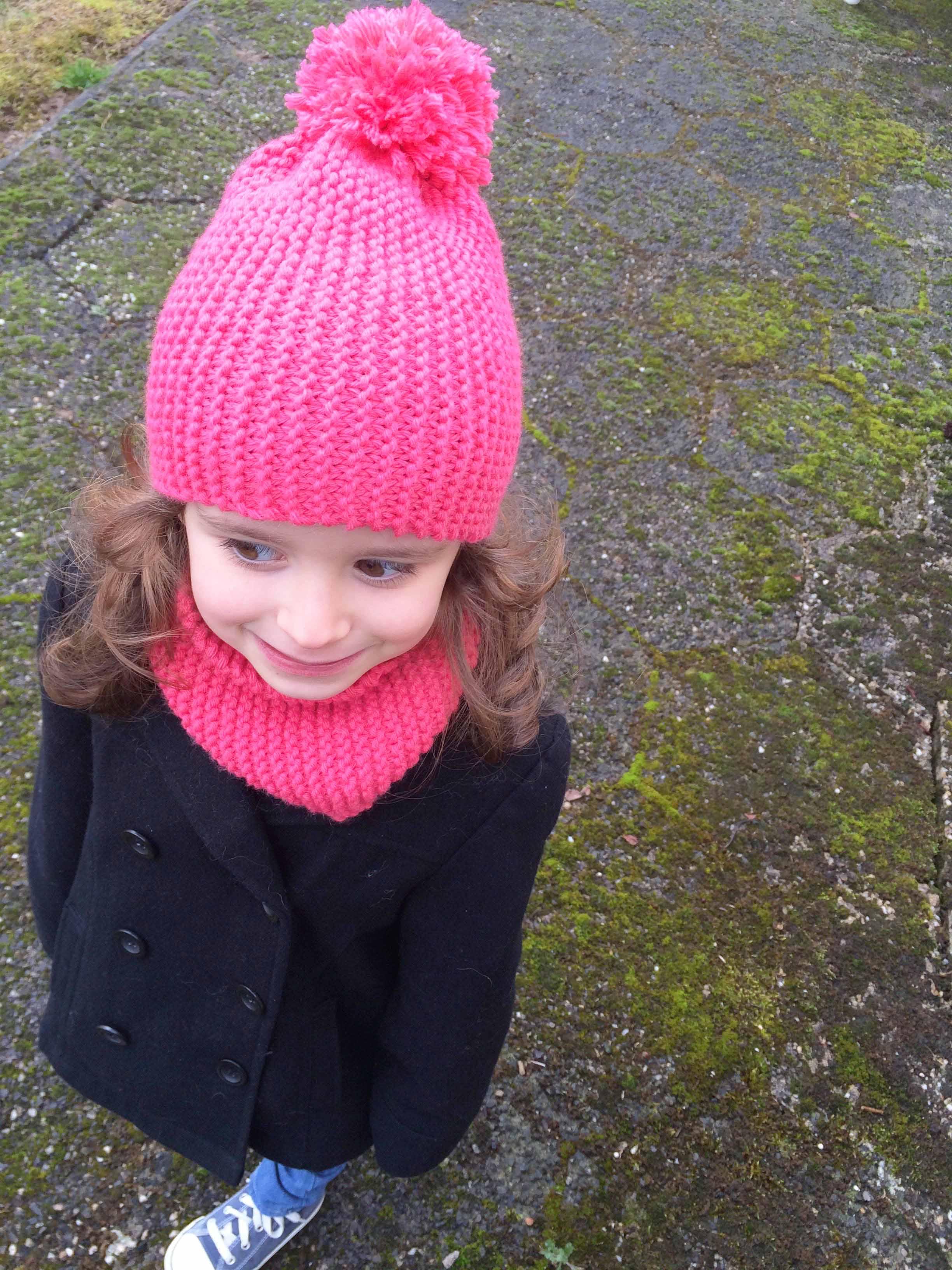 Tricoter un bonnet pour une petite fille