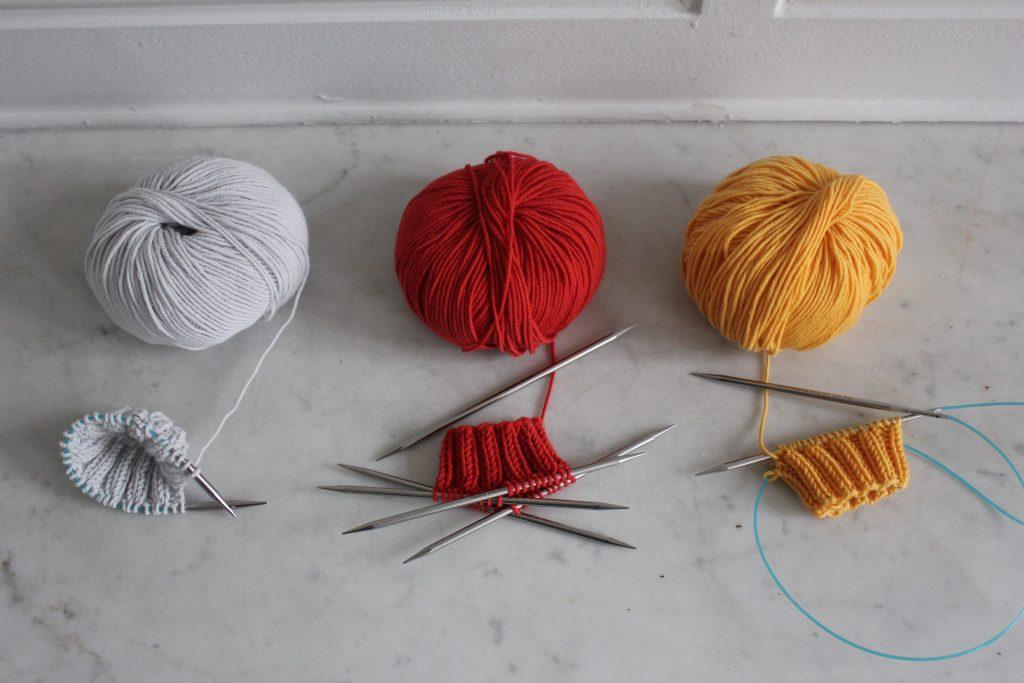 Tricoter en rond avec 2 aiguilles normales