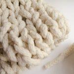Tricoter avec une seule main