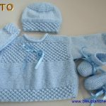 Tricot brassiere et chaussons