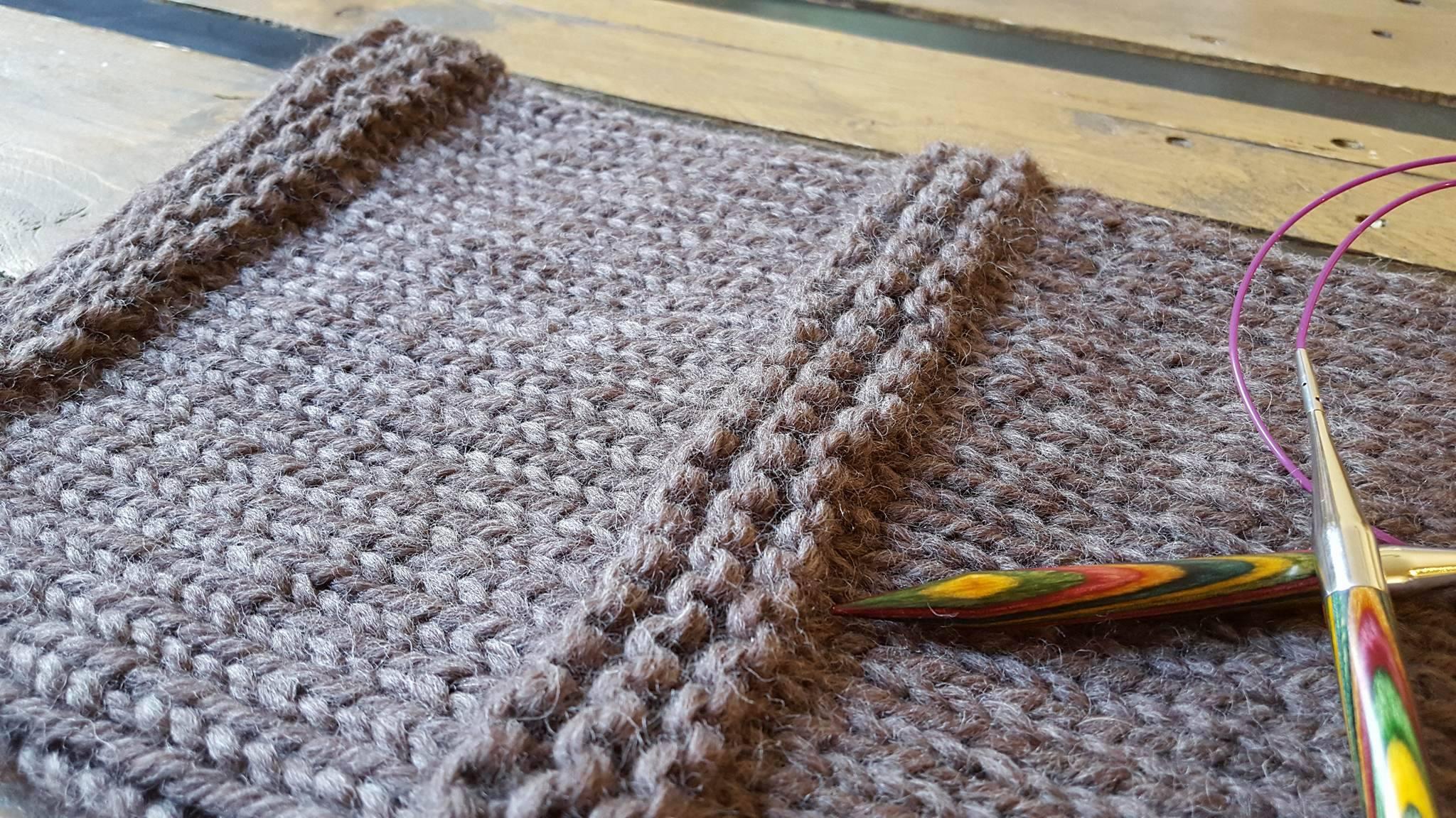 Laine et tricot aiguille circulaire