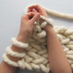 Kit tricot avec les mains