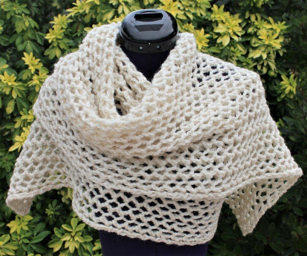 Etole tricot ajouré