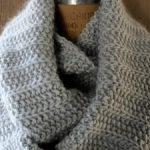 Tricot debutant foulard