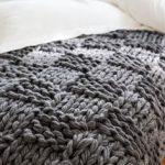 Tricoter avec les bras modèles