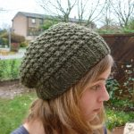 Tricoter bonnet laine femme