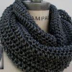 Tricoter un foulard en rond