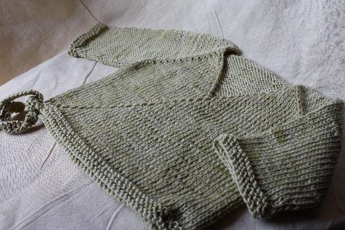 Tricot gilet bébé sans couture