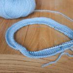 Apprendre tricoter avec aiguille circulaire