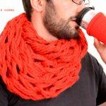 Faire un tricot avec les mains